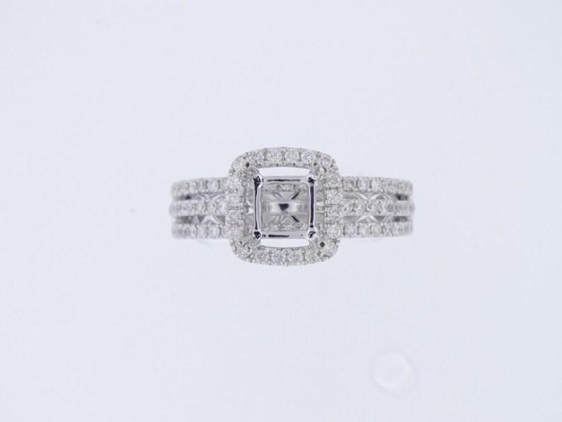 14K White Gold Diamond Halo Design Engagement Ring Wedding image 0