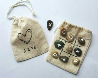 Wedding favors- wedding Games for kids - Kids Activities- Tic Tac Toe - Party Favors - Barn Wedding - Favor Bags- kids table-