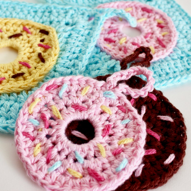 Crochet Pattern. Donut Face Scrubby and Washcloth. Instant image 0