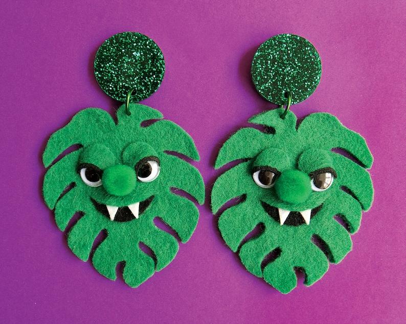 Monster-AH Monstera Plant Felt Friend Earrings image 0