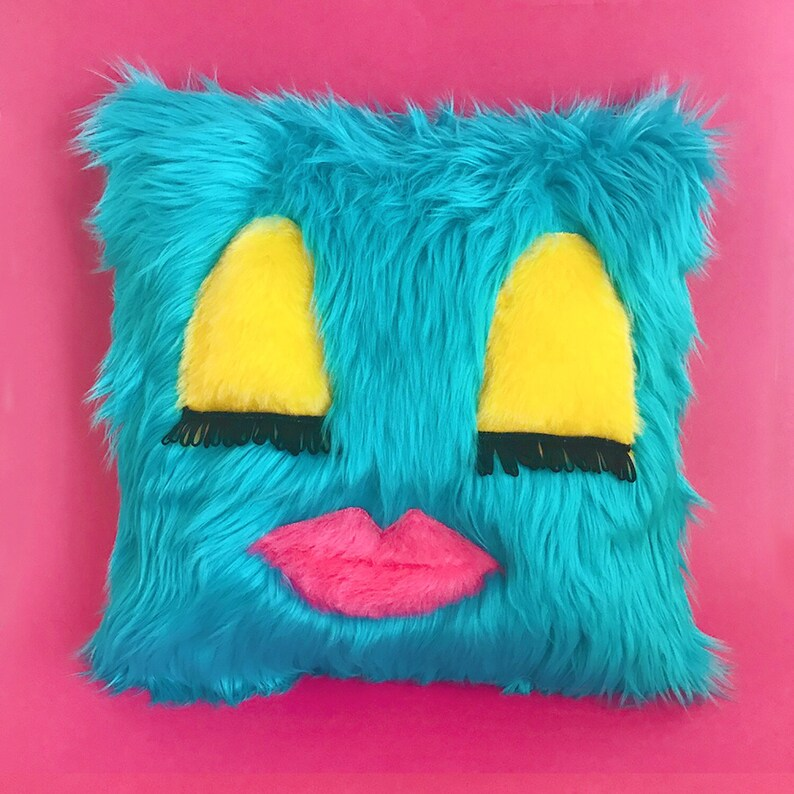 Sleepy Gal Faux Fur / Vintage Fabric Pillow Cover & Insert image 0