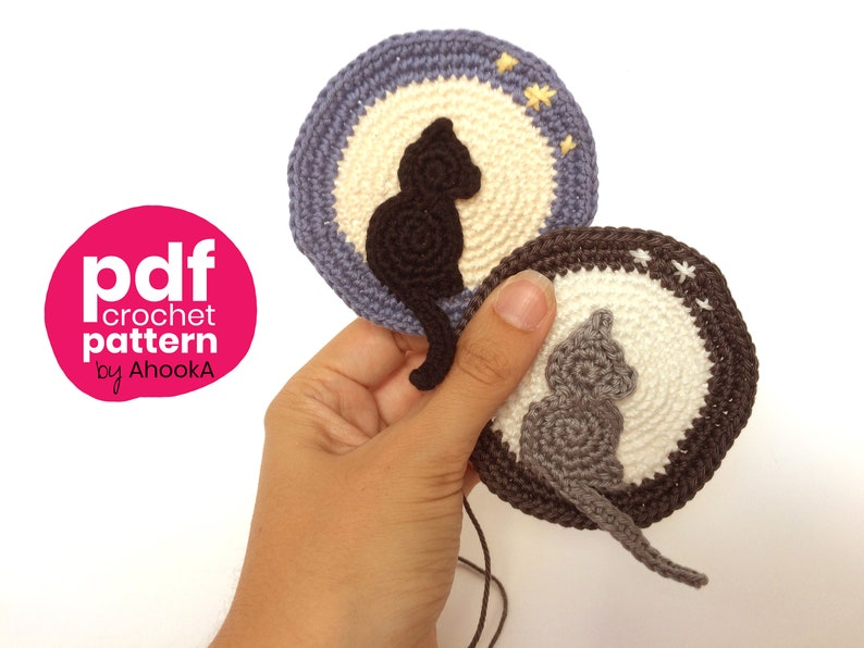 Cat in the moon crochet pattern  applique or pendant image 0