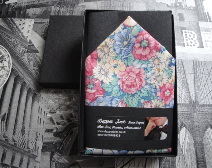 Pocket square in pastel flowers