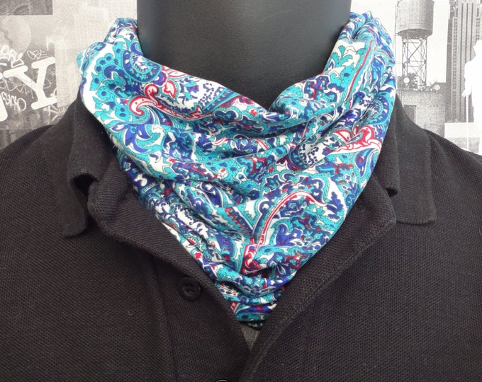 Neck tube, snood, blue paisley neck tube