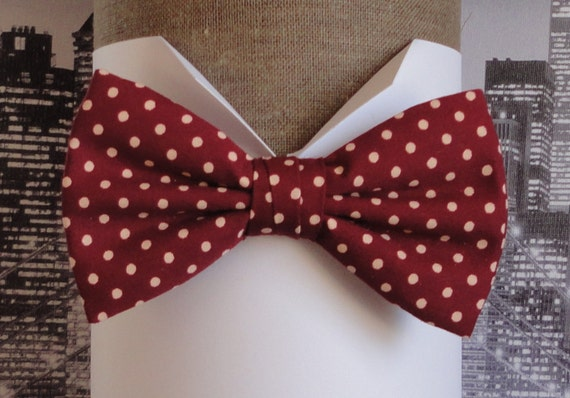 Bow tie in burgundy cotton with cream spot, pre tied or self tie bow tie, bow ties for men