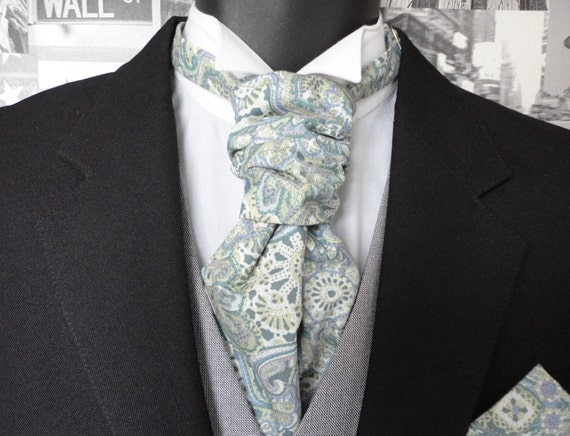 Scrunchy Wedding Cravat, pastel paisley cravat, groomsmen tie, cravats for men