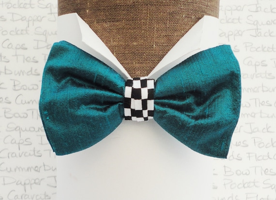 Peacock green silk Bow Tie With a Chequered centre Trim. Bow Ties For Men