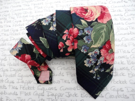 Neck Ties For Men, Pink Roses on a Dark Green Background, Wedding Neckties, Groom Fashion, Men's Suit Accessories