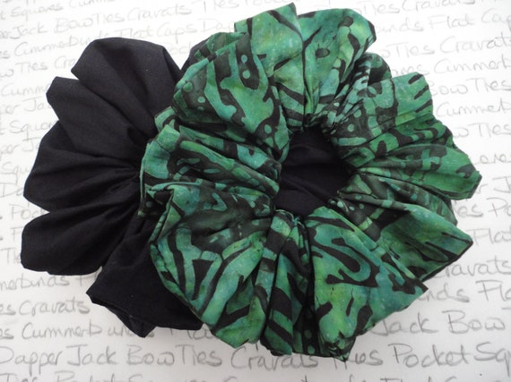 Emerald Green Scrunchie and a Plain Black Scrunchie, Pack of Two Scrunchies, Scrunchie Revival,