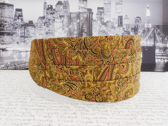 Gold Paisley Cummerbund, Bow Tie and Pocket Square Set