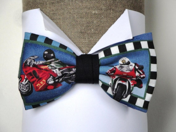 Motorbikes pre tied bow tie, design 2, on an adjustable neck band, will fit up to a 19.5