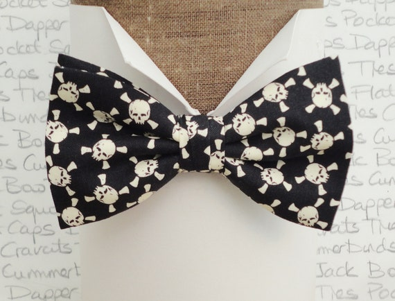 Skeleton bow tie, skull bow tie, bow ties for men, pre tied or self tie bow tie, glow in the dark bow tie