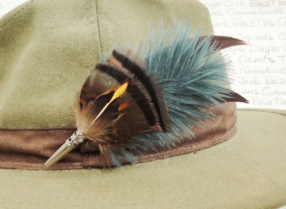 Feather hat pin,  Feather lapel pin, Boutonniere