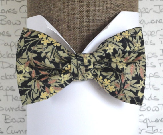 Bow tie, pre tied bow tie, self tie bow tie, gold flowers on black back ground floral bow tie