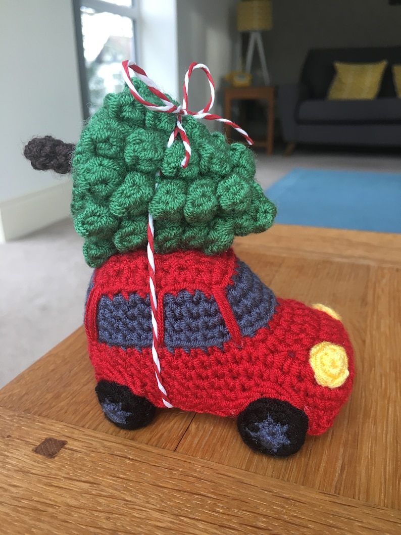 Driving Home for Christmas Car with Tree Crochet Pattern image 0