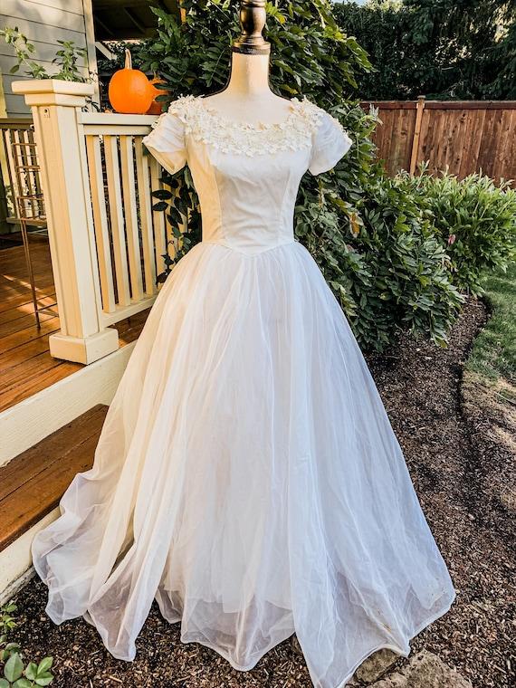 Vintage wedding dress ball gown - image 3