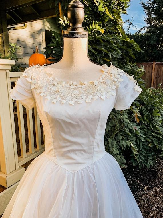 Vintage wedding dress ball gown - image 5