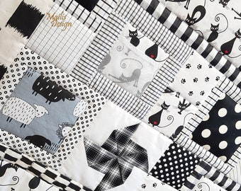 Baby Sensory Mat Black and White with cats, Baby & Toddler pacthwork quilt, Kids Floor Mat