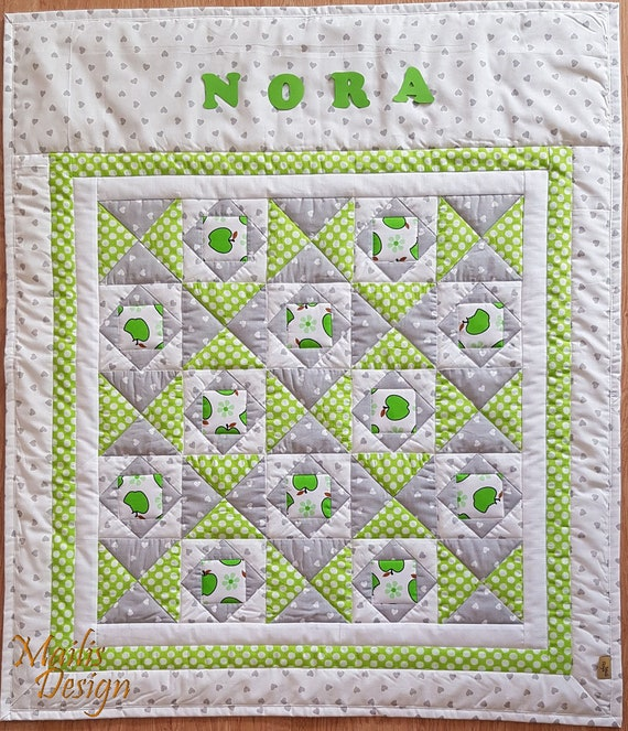 Personalized 100/% Cotton Crib Quilt Christening Gift Baby Shower Gift Baby Quilt