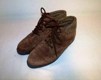 6e9de3dc1b8d Women Size 8 1 2 Vintage Coasters 90s Brown Suede Hiking Boots