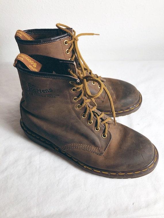 dfcbac44965aeb Hommes Hommes Hommes 9 US 8 UK Dr Martens Airwair Boots en cuir Made in  England   Une Grande Variété De Modèles 2019 New 56d9d7