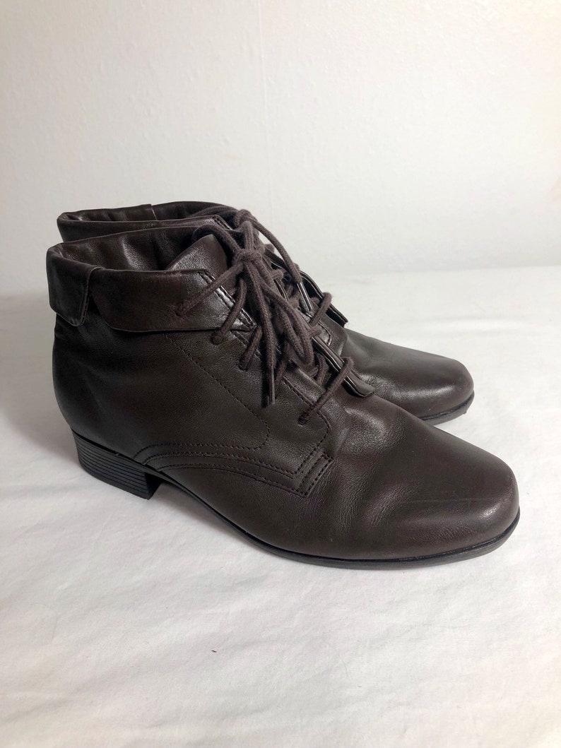 7d680b884fccb Women Size 5 Vintage St. John's Bay Brown Lace Up Ankle | Etsy