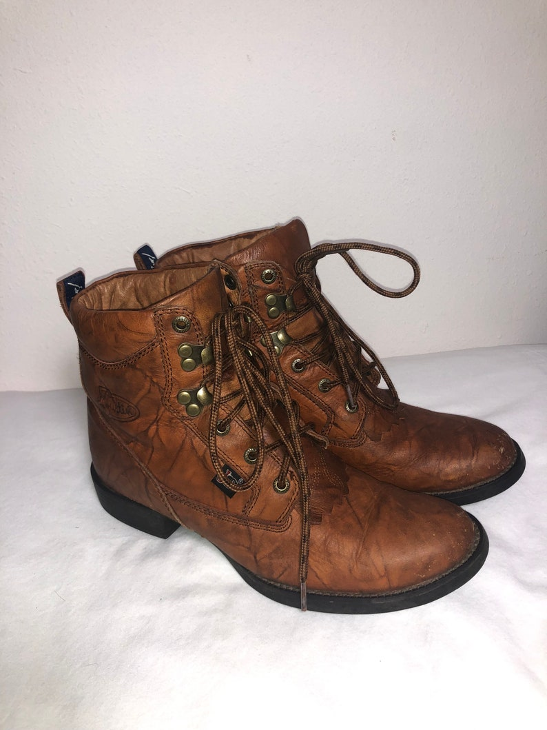 ae47c39f1fb99 Women Size 6 1/2 Vintage Justin Brown Leather Ropers with Oil Resistant  Soles