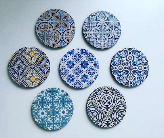 Set of 12 Round Coasters Whit Wooden Box for DECOUPAGE
