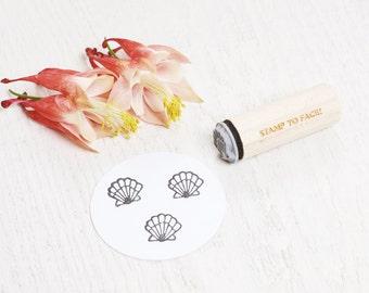 Clam Seashell - Mini Rubber Stamp