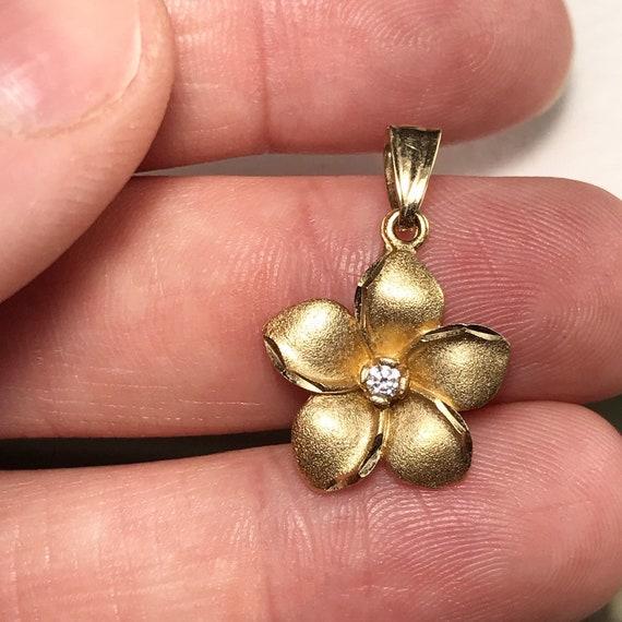 Vintage Gold Flower Pendant / Vintage Flower Penda