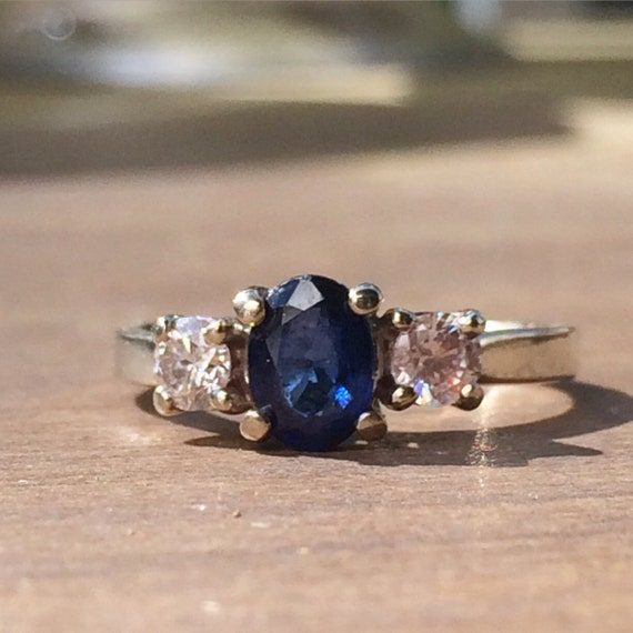 Stunning Sapphire and Diamonds White Gold Ring / S