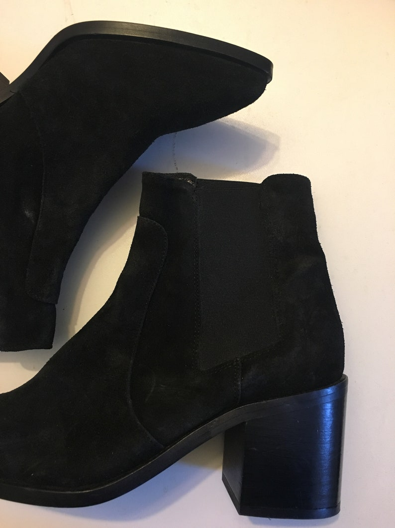 100/% suede thick heel ankle booties