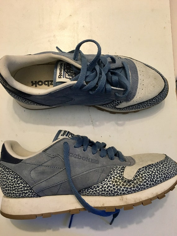 Women size 8us suede reebok sneakers