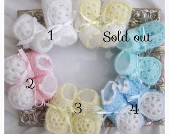 baby crochet shoes, crochet infant shoes, crochet baby shoes, baby booties, baby gifts, newborn gift, pink baby shoes, baby girl booties