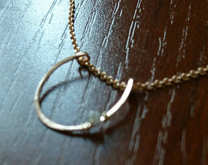 Lucky Horseshoe charm necklace with raw diamond, dainty bridal jewelry, horseshoe elegant minimalist bride necklace,rose gold bride,