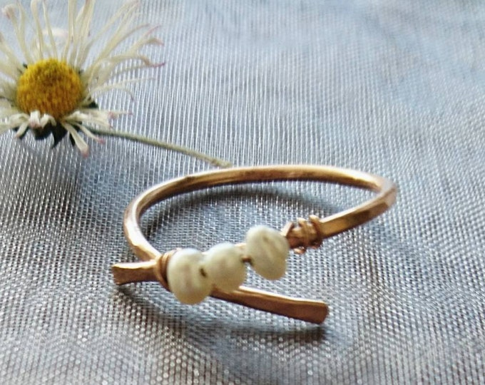 Rose gold pearl, cross over ring,minimalist jewellery, June birthstone , gift for her, anniversary gift, best friend present, boho chic ring