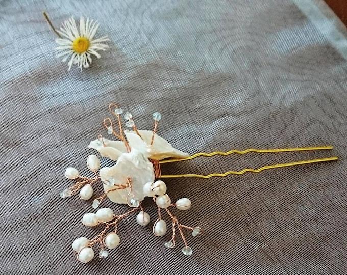 Pearl and aquamarine wedding hair pin, vintage look hair pins, something blue, bridal hair accessories, pearls for brides, bridesmaid