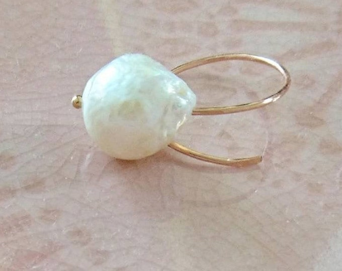 Large baroque pearl ring in rose gold fill, June birthday gift for her, birthstone jewellery, modern pearl ring, statement jewelry, unique