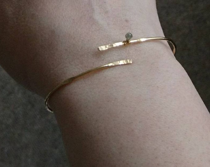 Diamond bangle yellow gold fill, hammered gold bracelet, chic jewellery, jewelry minimal,elegant gift for her,April birthstone, contemporary