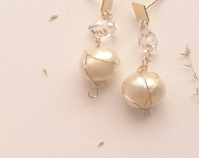 Modern pearl earrings, drop earrings with freshwater pearls and herkimer diamonds