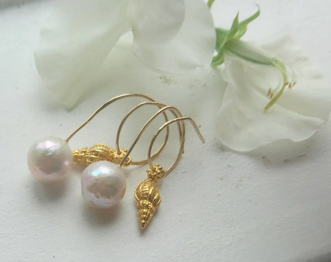 Baroque pearl earrings, gold shell earrings with pearls, sirens song