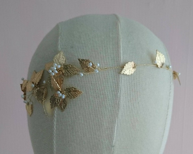 Gold leaf hair vine, pearl and gold hair accessory, goddess