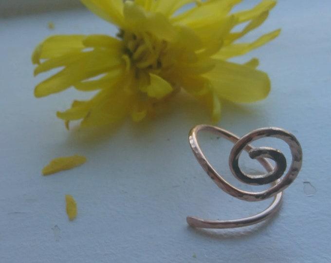 Hammered spiral ring
