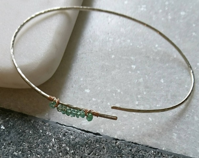 Sterling silver bangle with emerald, open hammered cuff bangle, cuff bracelet minimalist,May birthstone, gift for her,best friend gift, boho