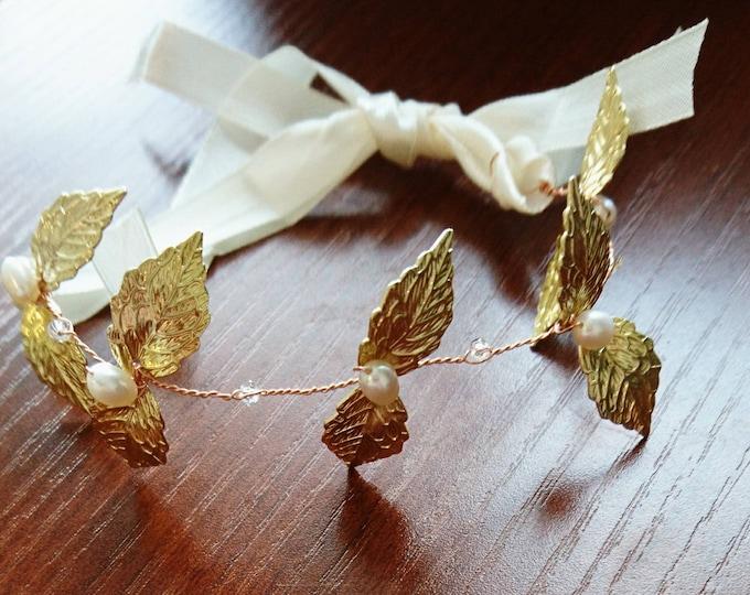 Gold Leaf Grecian goddess bracelet, Boho wedding, woodland theme wedding, Grecian costume, gold leaves, bridesmaid jewellery, pearl wedding