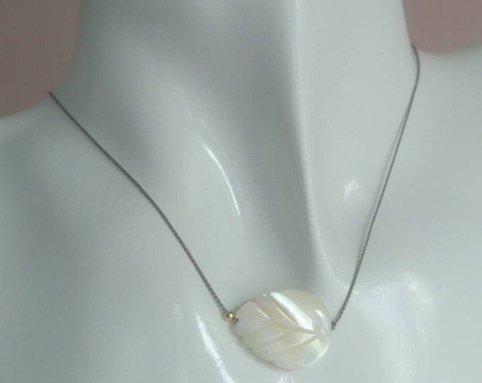 Leaf necklace, Mother of pearl jewellery,