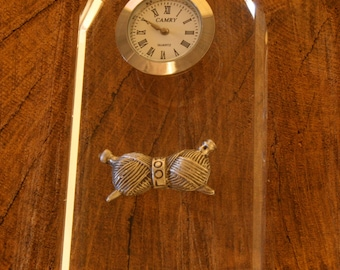 Knitting Needles Glass Clock Bedside or Desk Top Gift Boxed