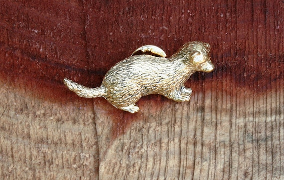Ferret Emblem Belt Buckle and Leather Belt in Gift Tin Ideal Hunting Present