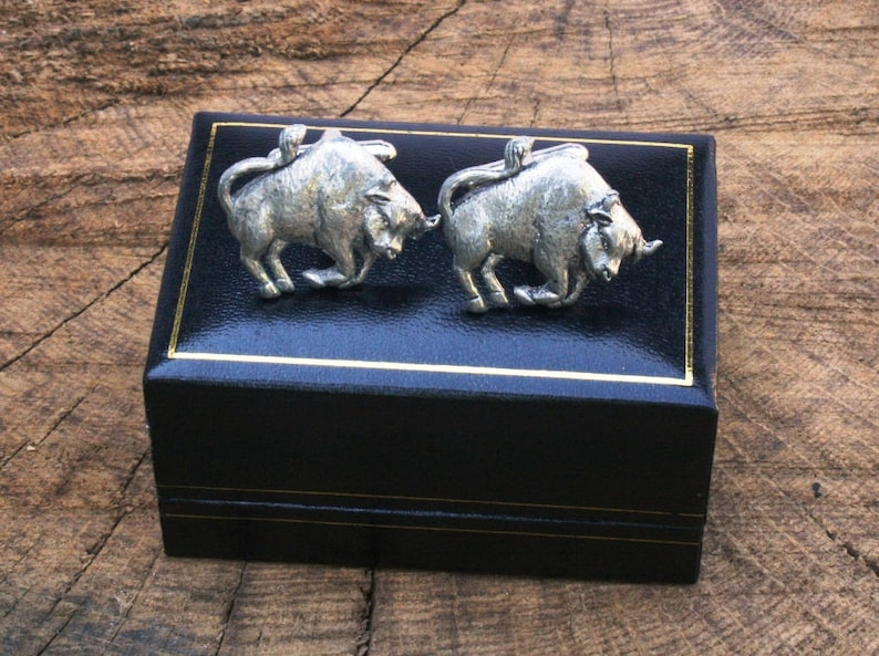 Taurus The Bull Cufflinks Pewter UK Handmade Astrology Gift 360