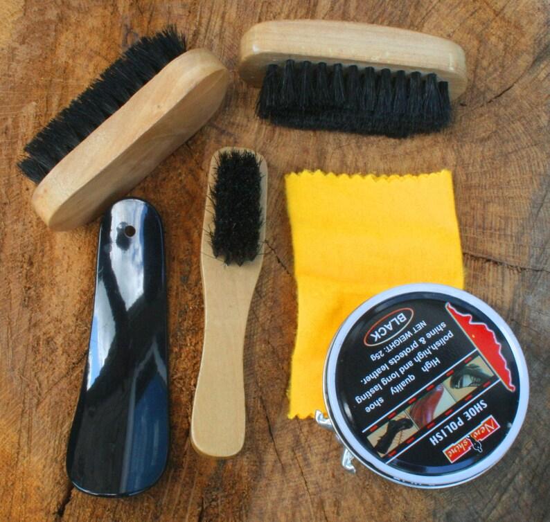 Cobra Snake Shoe Polishing Kit Brushes /& Polish FREE ENGRAVING Wildlife Gift 334